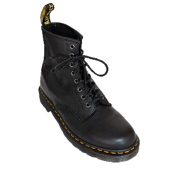 "Dr. Martens ""Carpathian"" Boot (8 Eye) (black)"
