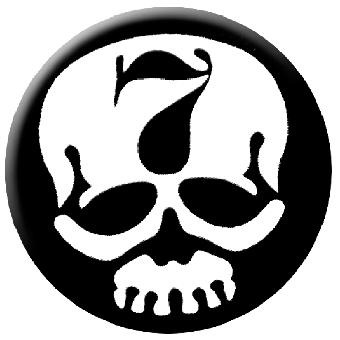 """7er Jungs """"Skull"""" Button (2,5 cm) 23NEU"""