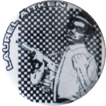 """AUSVERKAUFT Laurel Aitken """"Gun"""" Button (2,5 cm) 673 (Neu)"""